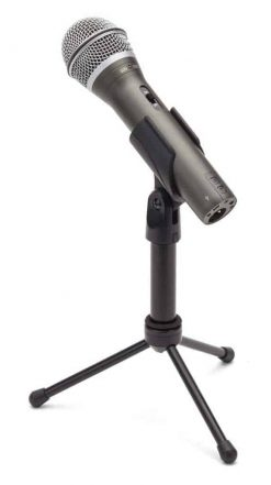 Samson Recording Package USB-XLR Dynamic Microphone - 1.5m USB cable, 6m XLR to 1/4 Cable, Mic Clip, tripod stand,